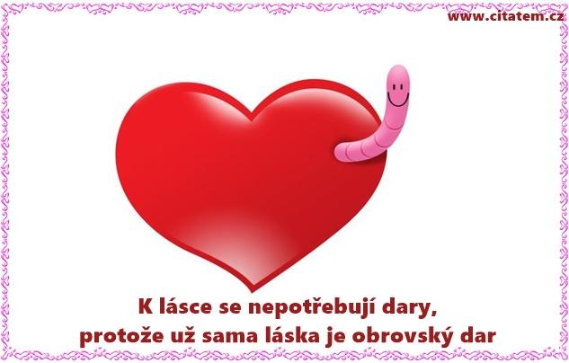 K lásce se nepotřebují dary