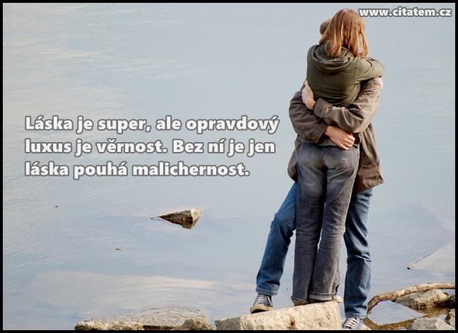 Láska je super