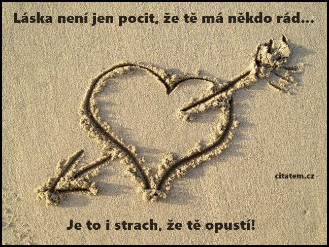Láska není
